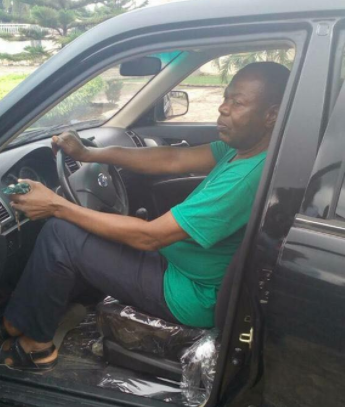 Photos: Owner Of Innoson Motors Gifts Brand New Car To Man Who Prophesied About His Vehicle Manufacturing In 1979