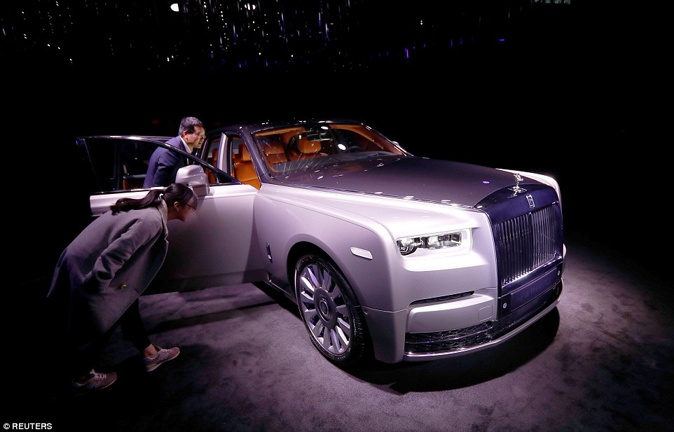 597af7fe8b7ea Checkout The New Rolls-Royce Phantom [Photos/Video] Uncategorized