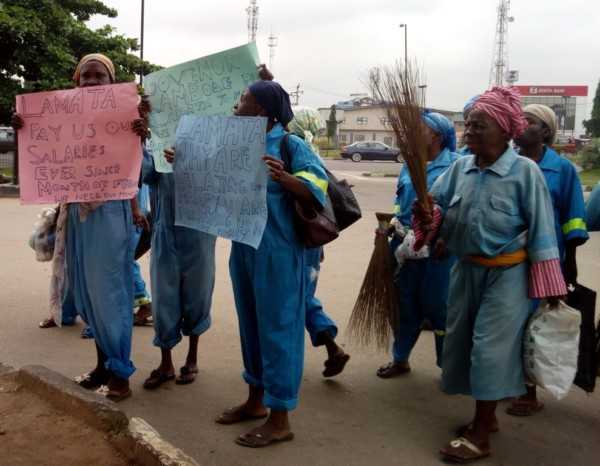 Photo: Elderly women who serve as sweepers in Lagos protest 5 months unpaid salaries
