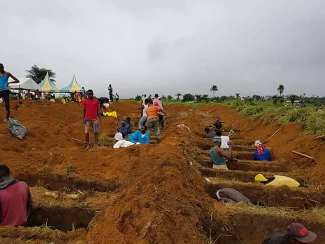500 dead pulled from mudslide in Sierra Leone