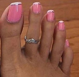 Toes that almost looks like fingers (photo)