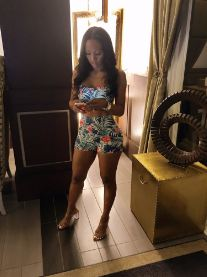 Man stuns twitter users with photos of his hot mama