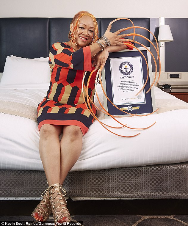 PHOTOS: Lady Spends 23 Years Growing The World\'s Longest Fingernails ...