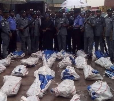 Photos: Nigeria Customs Service uncovers 1,100 guns at Tincan Island Port