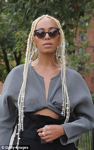 """Check out Solange""""s outfit and new hair style to NYFW"""