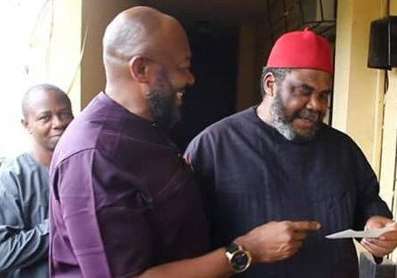 PHOTOS: Veteran Actor, Pete Edochie all smiles as he finally receives his gratuity from Anambra Govt after 19 years of service