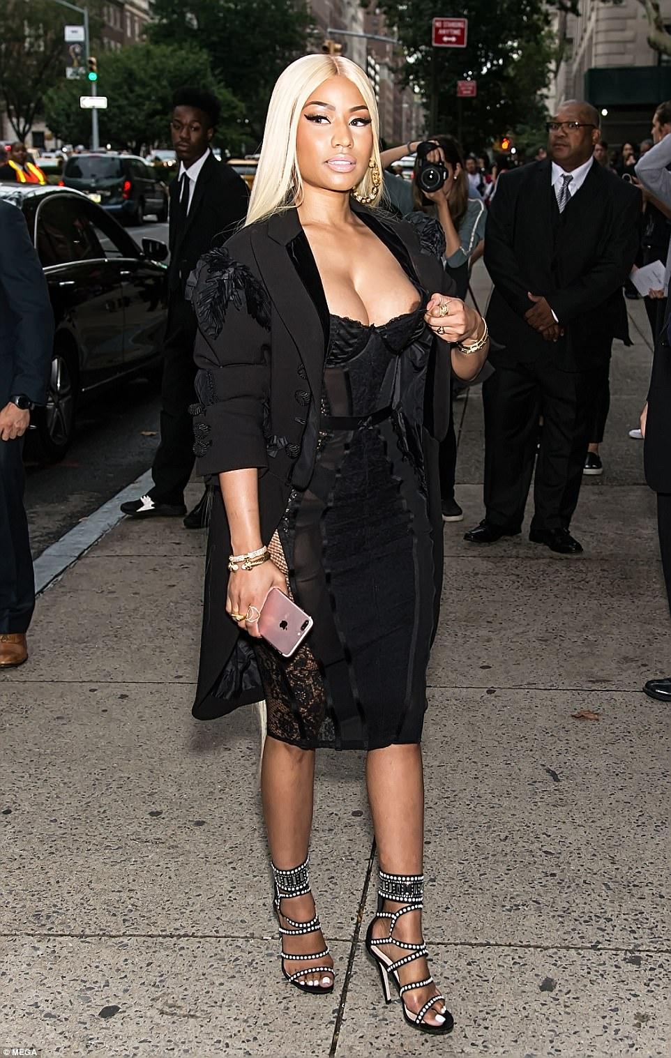 Nicki Minaj suffers an embarrassing nip slip as she