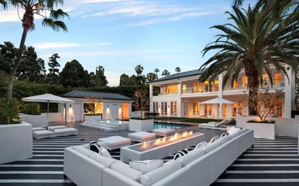 Photos: Floyd Mayweather buys amazing $26million mansion in Beverly Hills
