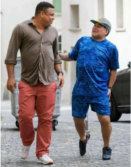 Football legends, Ronaldo, Maradona and their stomachs pictured taking a stroll