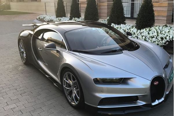 Cristiano Ronaldo shows off his new $3 million 2017 Bugatti Chiron
