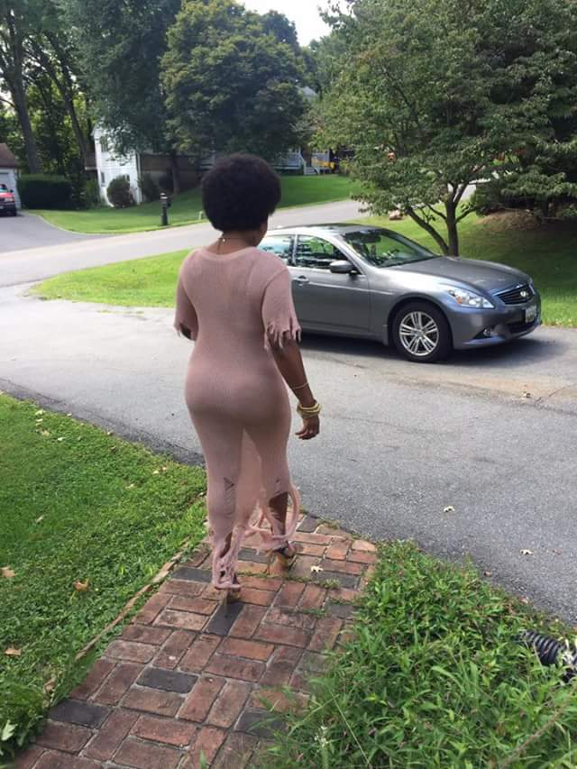 """Take them nickers off for a change and feel the freedom"" - Woman channels Zodwa Wabantu, steps out without underwear"