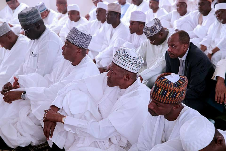 Photos: President Buhari joins Saraki, IG of Police, others to pray at Aso Rock mosque