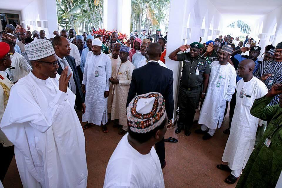 Photos: President Buhari joins Saraki, IG of Police, others to pray at Aso Rock mosque
