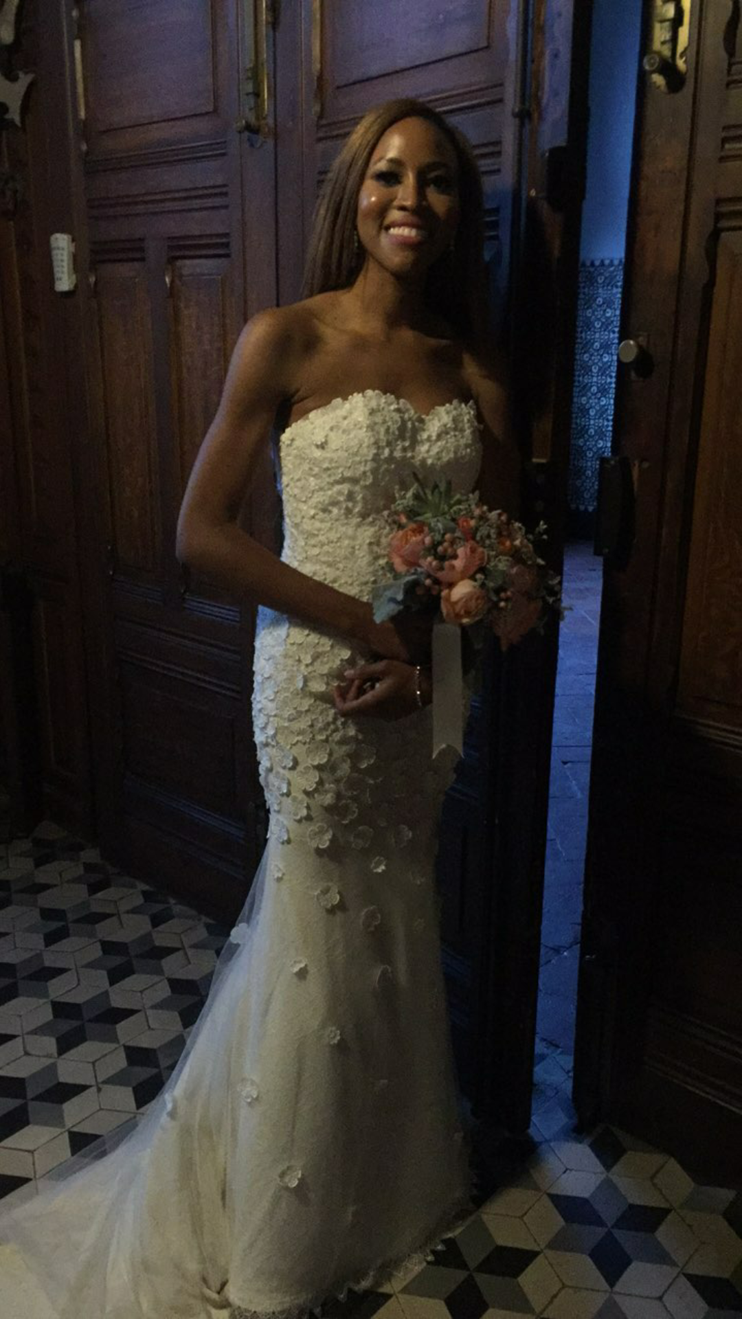 CNN Anchor Zain Asher is married.... see first photos from her white wedding