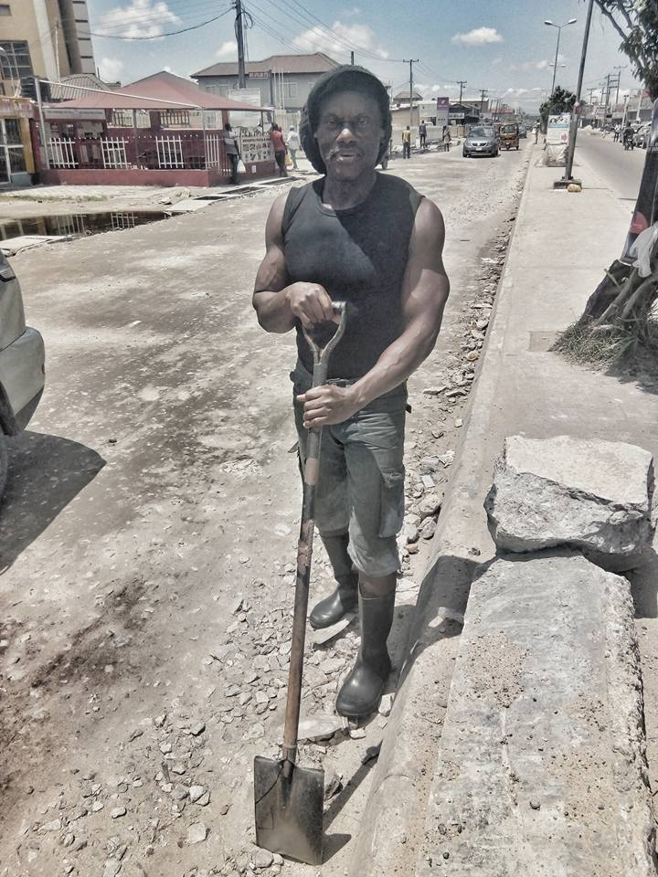 Nigerian Olympic weightlifter in the 80s, Ironbar Bassey, is now a construction worker in Lagos after allegedly being abandoned by the Govt