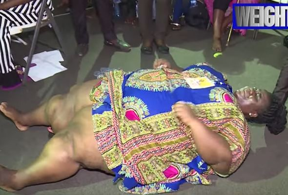 Viral video of Prophet Fufeyin of Christ Mercyland praying for an obese woman to lose weight