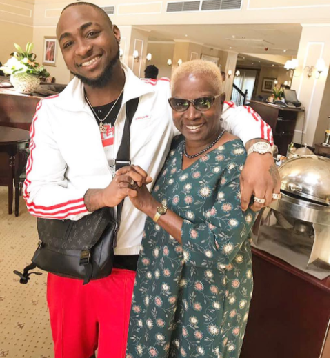 Photo: Davido meets Angelique Kidjo in South Africa
