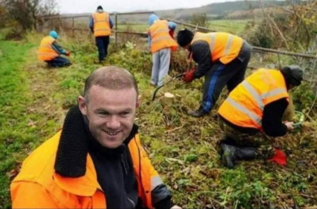 Photo: Wayne Rooney begins community service for drunk driving