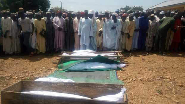 https://umahiprince.blogspot.com/2017/10/15-kebbi-worshipers-drown-in-river.html