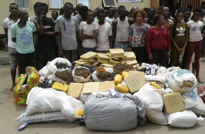 Lagos Police arrest 50 suspected criminals with 48 bags of illicit drugs (photo)
