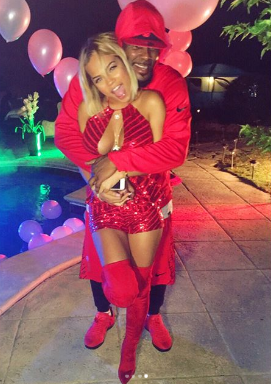 R.Kelly throws birthday party for his 22 year old girlfriend