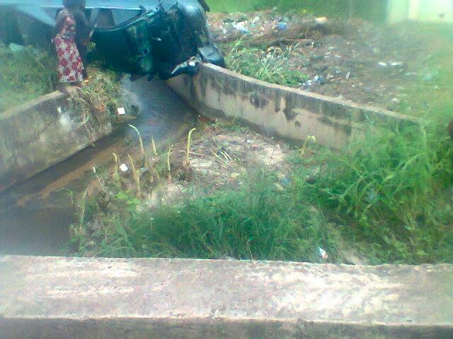 Photos: Nursing mother dies in a fatal accident while trying to avoid a reckless bike rider in Benue state