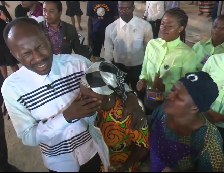 Video: Apostle Suleman heals a lady who got blind during NYSC In Kwara State