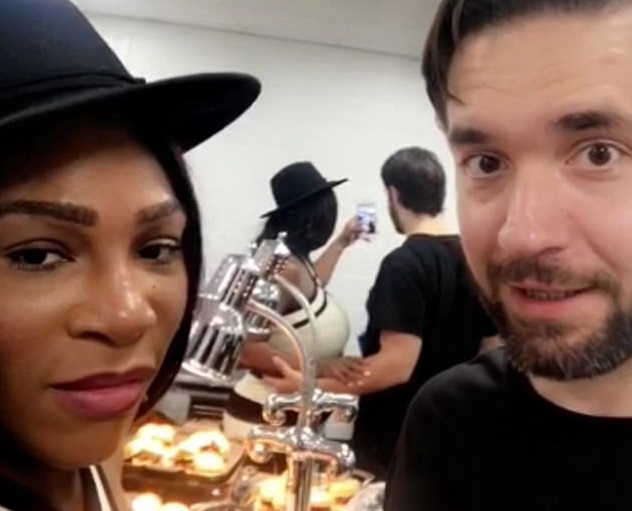 Serena Williams shows off her impressive post-baby body as she attends Bruno Mars concert with fiance Alexis Ohanian (Photos/Video)