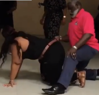 Viral video of a grandpa rocking a chubby lady in serious erotic moves