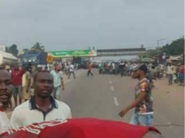Graphic photos/Video: Police shoot man with bags of weed to death in Anambra