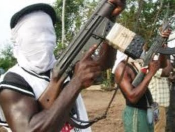 Gunmen kill two police officers, abduct Portuguese expatriate at road construction site in Kogi