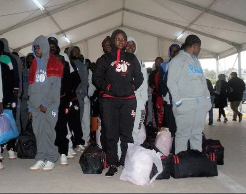 241 Nigerian women Including 5 nursing mothers deported from Europe (photo)