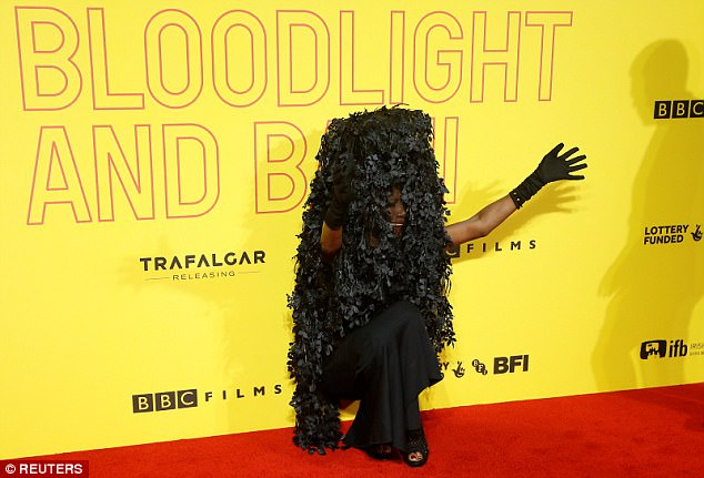 TF kinda outfit did Grace Jones wear out, bikonu? (photos)