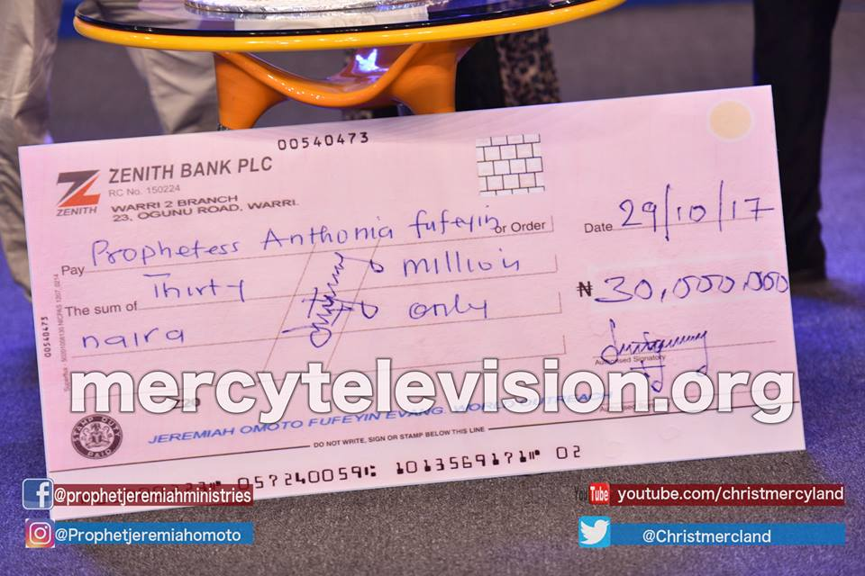 Warri-based pastor, Jeremiah Fufeyin, gives his wife N30m as birthday present, shares photo of the cheque