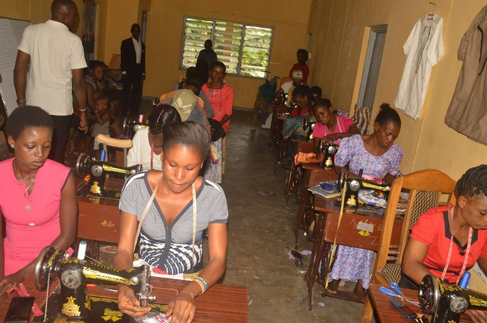 Photos: Rivers based church gives members and non-members free tailoring training, use tithe money to buy sewing machines for them