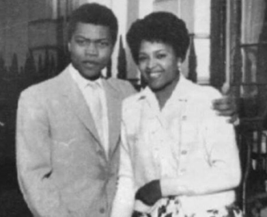 Ever seen Fela in a suit? Check out this throwback photo of the music legend & his wife, Remilekun Taylor