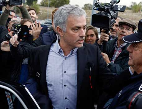 Jose Mourinho appears in court to testify?over tax fraud allegations