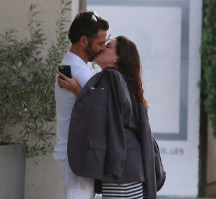 Eva Longoria packs on the PDA with husband Jos? Bast?n in West Hollywood (photos)