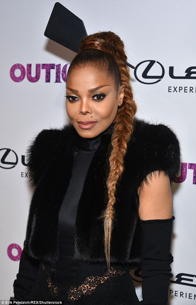 Janet Jackson is all shades of gorgeous as she flaunts her slimmer figure in black ensemble ?(Photos)