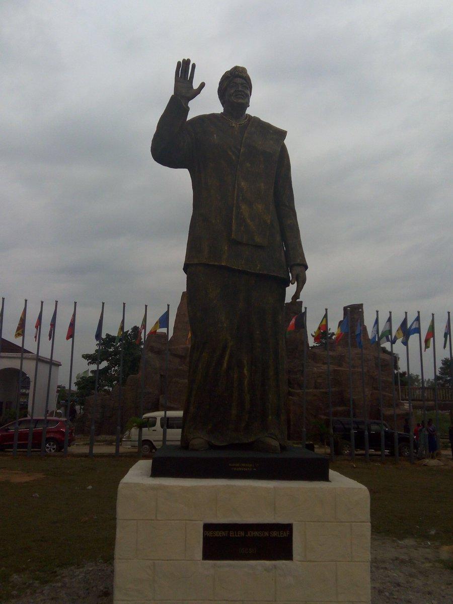 Nigerians on twitter slam Okorocha for unveiling statue of Liberian
