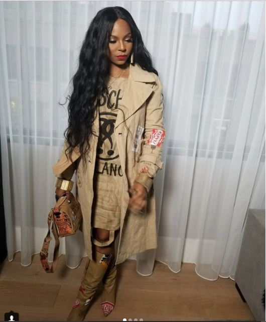 Ageless Ashanti looks flawless as she rocks matching Moschino paper bag (Photos)