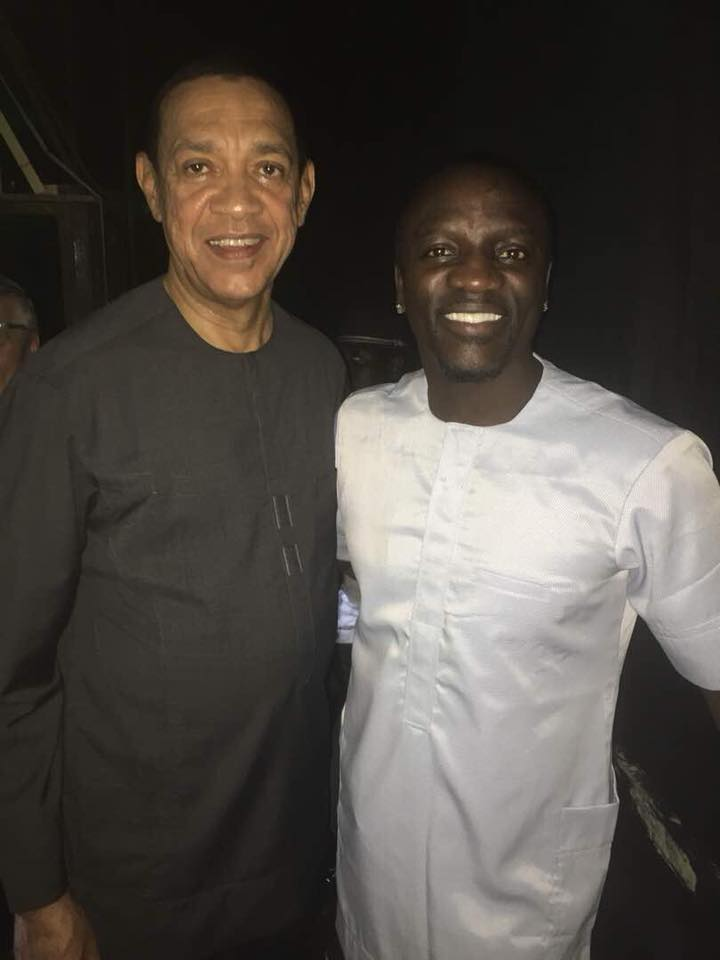 Senator Ben Murray-Bruce pictured all smiles with Akon in Lagos (photo)