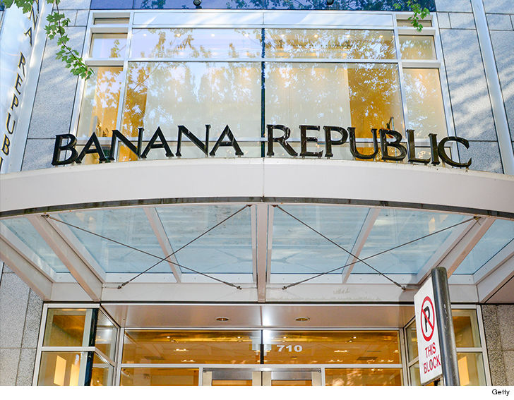 Former Banana Republic employee sues bosses for a million dollars after racist store manager cut her off for refusing to change braids hairstyle
