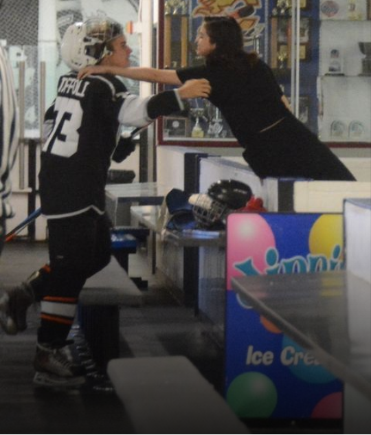Selena Gomez and Justin Bieber spotted kissing at hockey game