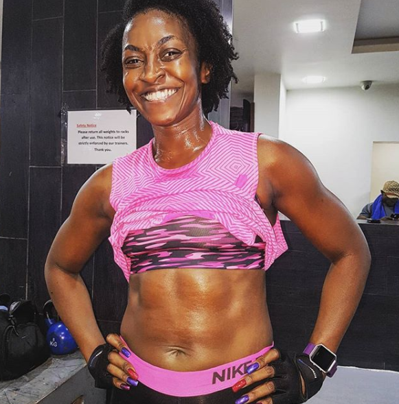 Actress Kate Henshaw proudly shows off her six pack tummy (photo)