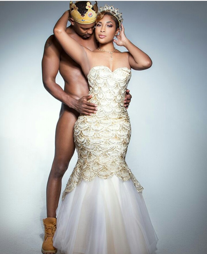 TF? Man poses completely nude for his pre-wedding photoshoot (shocking photos!)