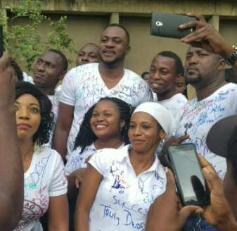 Yoruba actor, Odunlade Adekola celebrates as he completes Business Admin course at the University of Lagos (videos)