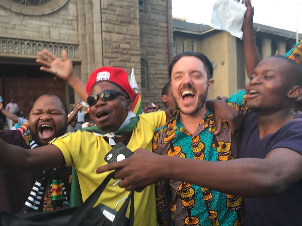 Photos/Video: Celebration breaks out on the streets of Zimbabwe as Mugabe finally resigns after 37 years in power