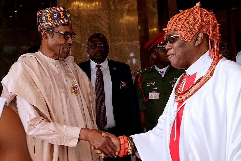 President Buhari Receives Oba Of Benin, Omo N'Oba Uku Akpolokpolo