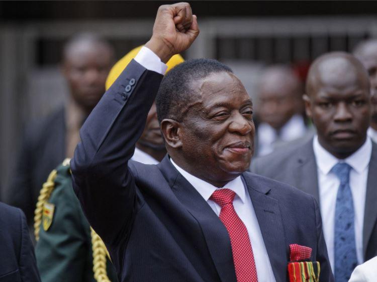 Emmerson Mnangagwa sworn in as?Zimbabwe